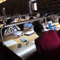 La Universidad de Granada no retomará la docencia presencial en lo que queda de curso