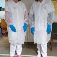 Láchar reactiva la ayuda a domicilio tras comprar 150 batas, 600 mascarillas y 10.000 guantes