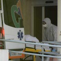 Los hospitales integran el coronavirus en su rutina: vuelven las pruebas y se reabren los quirófanos tras el pico en Granada