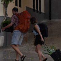 Granada suma tres hospitalizados más por coronavirus aunque supera el brote de Motril