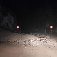 Cortado un carril de la A-4026 en Granada por el desprendimiento de un talud