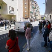 Fotos: homenaje a los sanitarios fallecidos por coronavirus en Granada