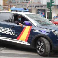 Sorprendida en Granada traficando con hachís, bolsas de droga bajo la ropa y 1.700 euros en efectivo
