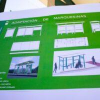 El Consorcio de Transportes de Granada adapta sus marquesinas a personas con movilidad reducida