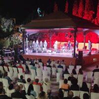 La segunda edición del Festival Cante en la Encina llena La Zubia de cante jondo