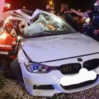 Un accidente de tráfico deja dos heridos y obliga a la intervención de los Bomberos en Granada